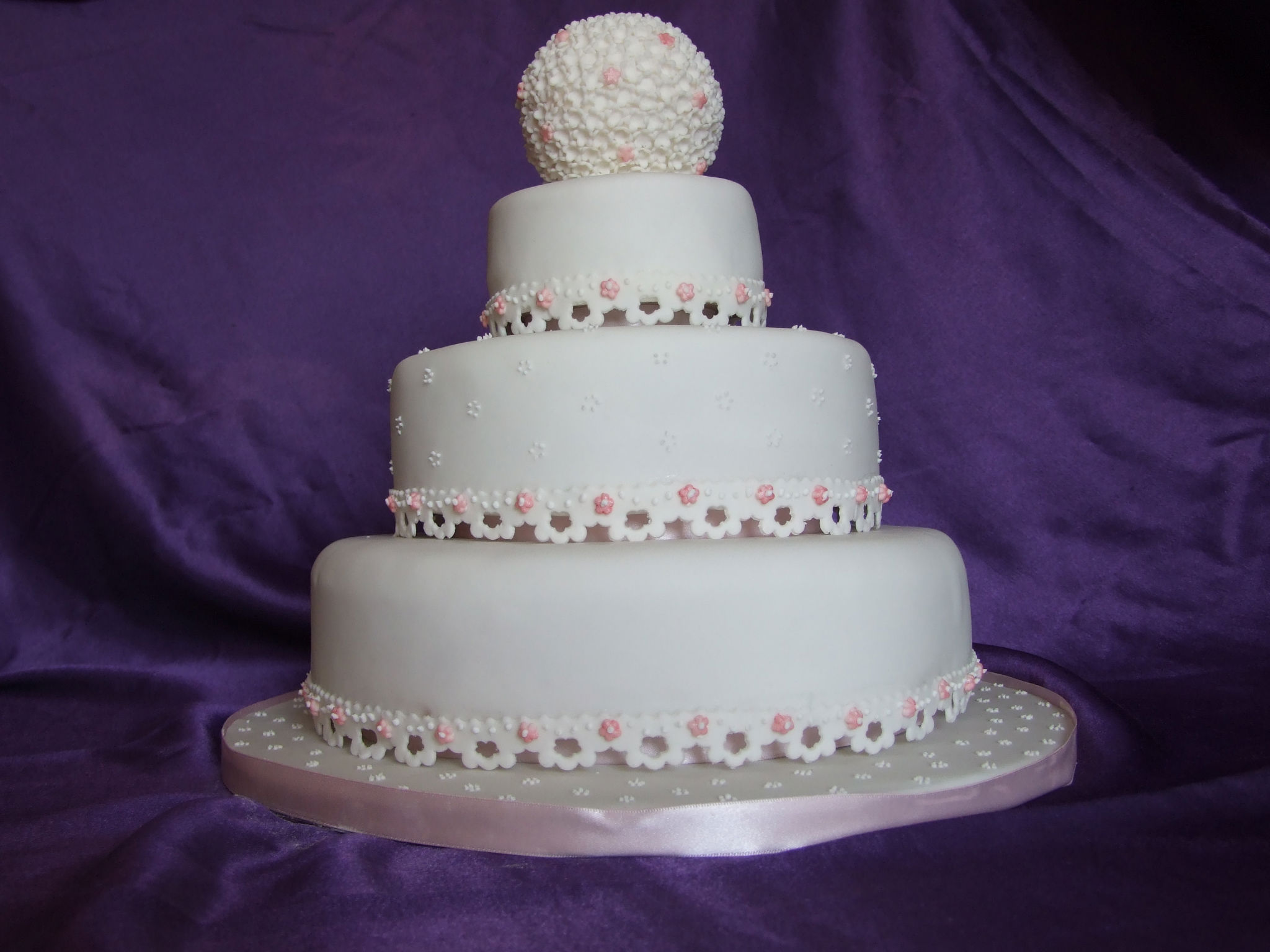Wedding Cakes And Engagements Lacy S Cake Creations