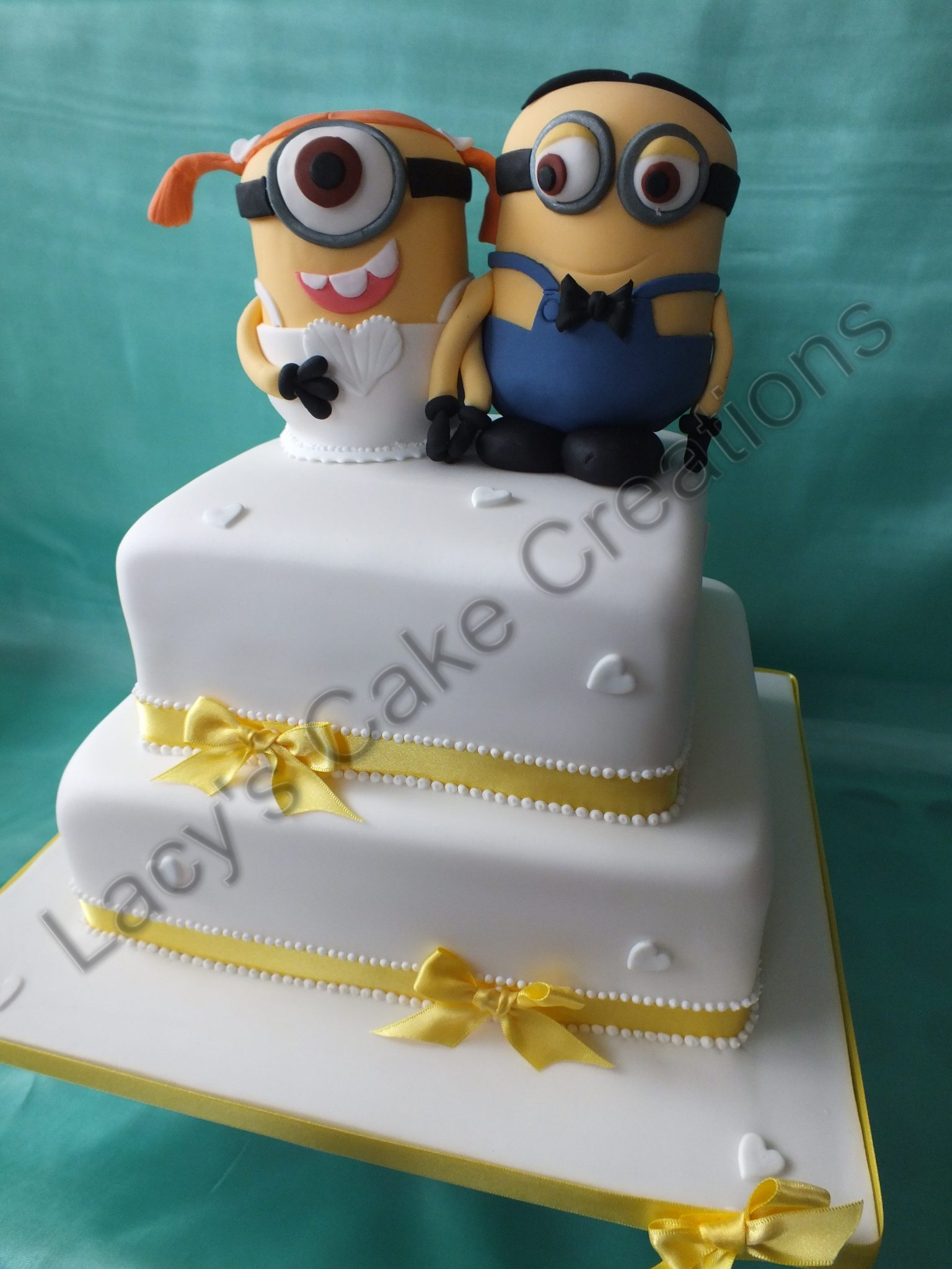 how to make a minion wedding cake topper wedding cakes and engagements lacy s cake creations 15822